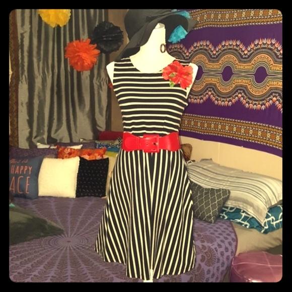 Old Navy Dresses & Skirts - 👗Dress👗 OLD NAVY
